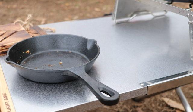 ガツガツ使える「ユニフレーム」焚き火テーブルラージ